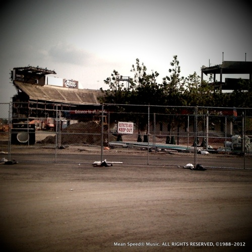 Giants Stadium gets the wrecking Ball